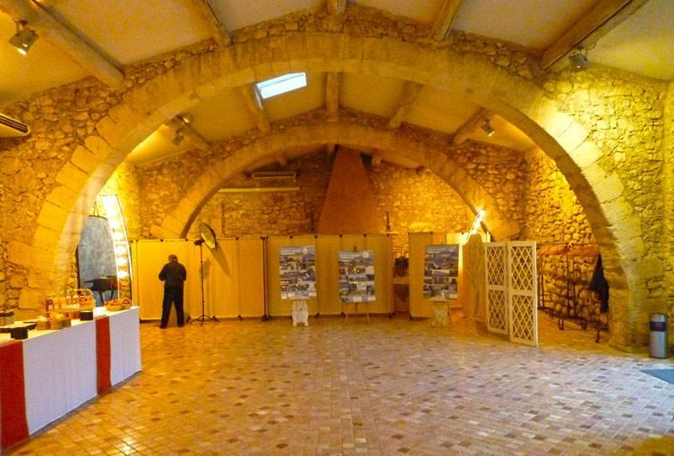 Location salle de mariage d 39 exception en provence ch teau - Pont royal en provence office du tourisme ...