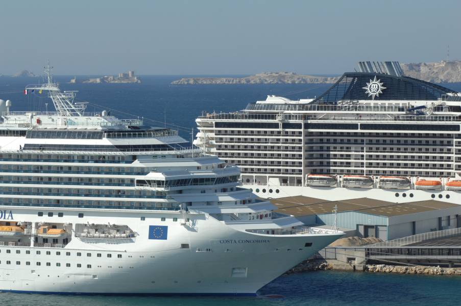 Croisi res au d part de marseille avec le port pour voyageurs taxi marseille provence taxi - Port de croisiere marseille ...