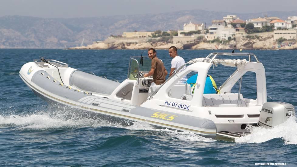 promenade en bateau avec skipper calanques de marseille cassis la ciotat porquerolles taxi. Black Bedroom Furniture Sets. Home Design Ideas